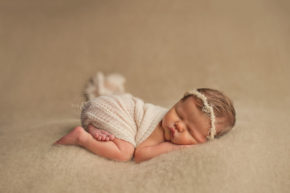iowa newborn photographer des moines iowa baby photography