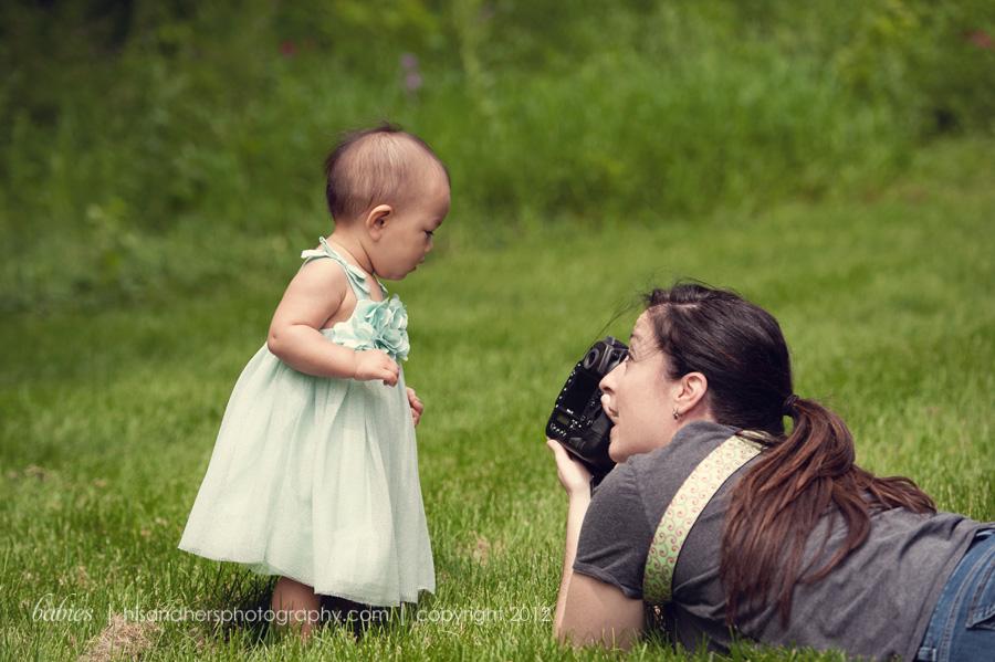 iowa child photographer darcy milder at work