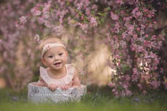 des moines iowa baby child photographer 6 7 8 9 month pictures