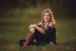 high school senior portraits pictures yearbook des moines iowa photographer best senior pictures photographer