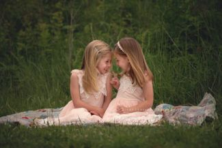 des moines iowa child twins children birthday session photography studio iowa child photographer