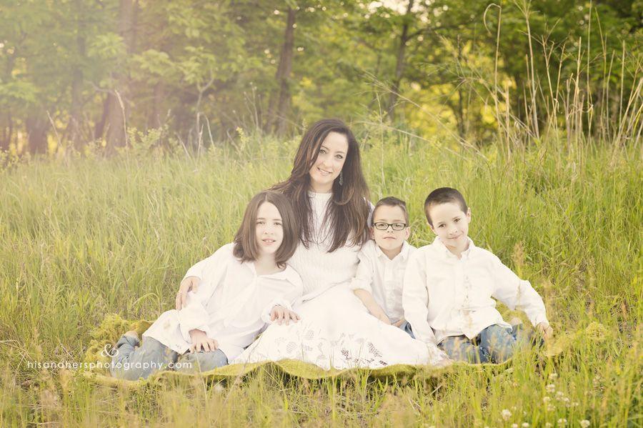 Happy Mother's Day | Des Moines, Iowa Family Portrait Photographer