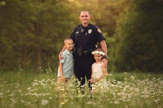 des moines iowa photographer child children's sibling family photographer best iowa photographer