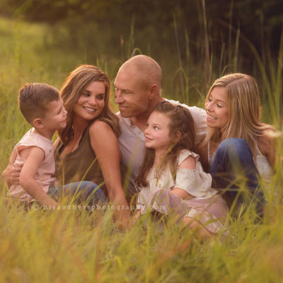 Des Moines, Iowa family photographer, family portraits, family pictures photography in Iowa Best Family photographer