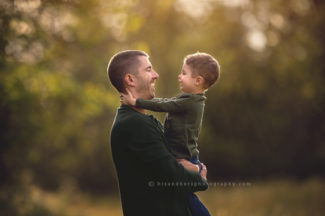 des moines iowa photographer family pictures photographer family pictures family portraits fathers day daddy son